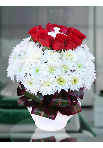 I M in Love White Teapot Bouquet