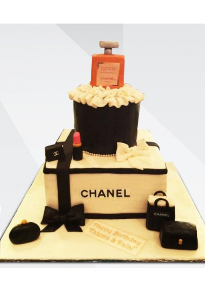 Chanel Beauty Queen Cake