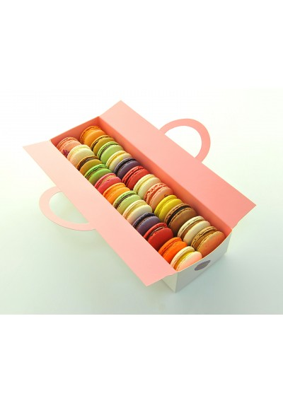 Ballotin- 24 pieces of assorted macaroons