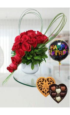Enchanting Roses in Mug with Godiva Coeur Selection Chocolate & Birthday Balloon