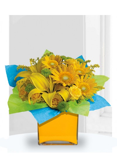 Sunny Birthday Present Bouquet