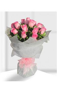 12 Pink Rose Hand_Bouquet