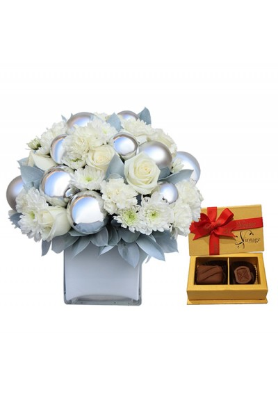 Snowy Christmas Bouquet with Chocolate