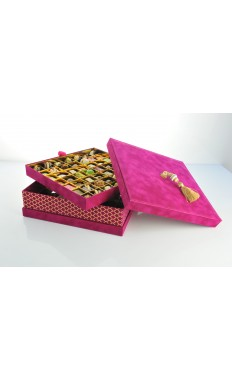 Square Velvet box in Fuschia