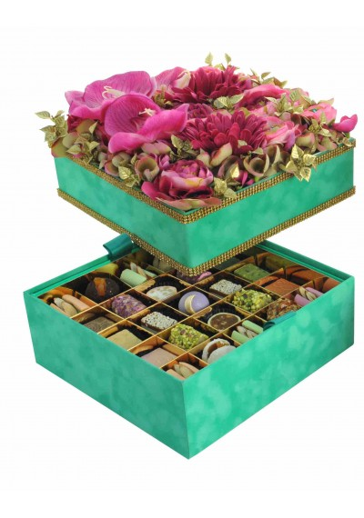 Square velvet box decorated with gold swarovski and Flower on Top in Emerald