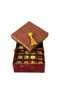 Forrey and Galland Velvet Box in Burgundy, 2 layers: 32 pieces of the Best Sellers assorted Chocolate