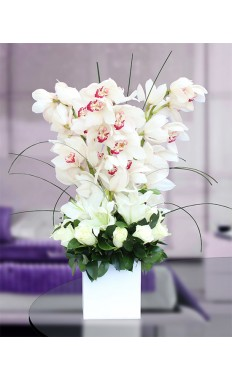 White Eloquence Bouquet